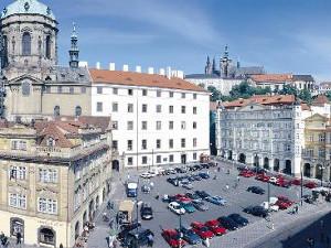 The faculty building at Malostranské náměstí